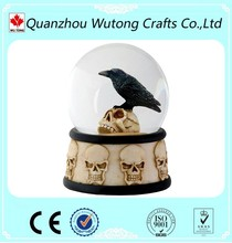 factory custom halloween gifts water ball resin skull crow snow globe