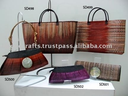 environment friendly fashion accessories