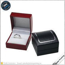 Popular Arc Top Silver Rim Leatherette Paper Plastic Ring Gift Box