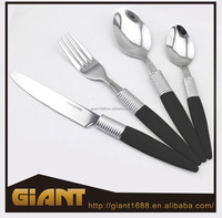New fashion designs plastic handle with stainless steel cutlery set for Europe market
