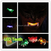Vampire Light Up LED Flashing Mouthpiece teeth