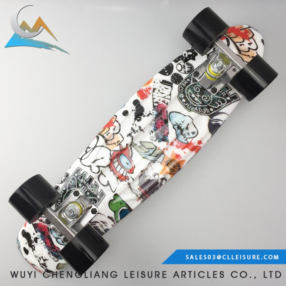 2017 22 polegadas Novo Design personalizado adesivos mini skate de plástico