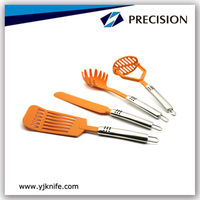 Safty Plastic Kitchen Utensil with Anti-slip Handle
