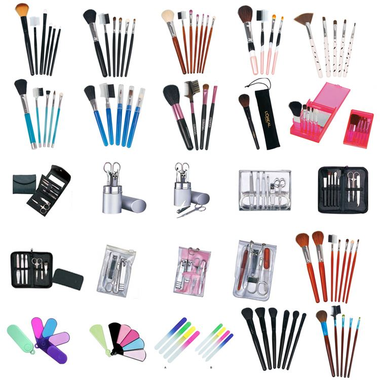 Custom Made 32 Piece Make Up Brush Set