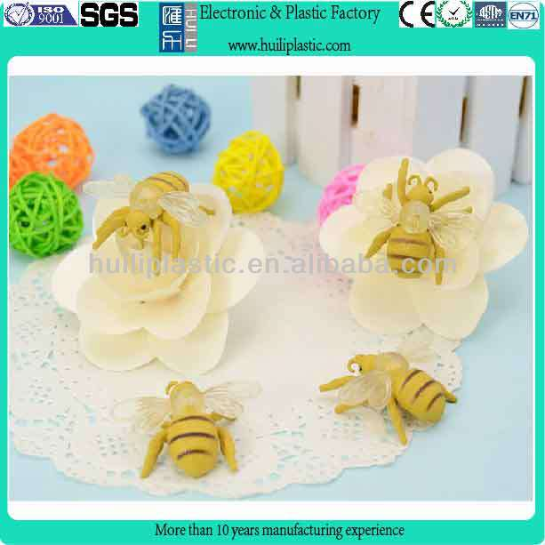 High quality vivid pvc plastic bee figures for decoration