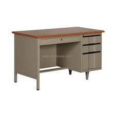 Lastest design office desk with wooden surface made in CHINA/2016 modernest rectangular executive desk