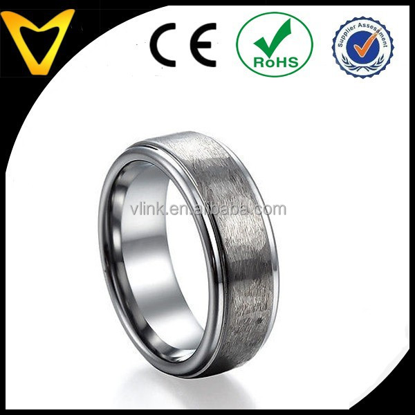 Free Sample Tungsten Carbide Ring Wholesale, High Quality Hammered Matte Stepped Tungsten Carbide Wedding Ring for Women Men