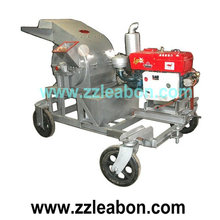 Diesel engine mobile crusher for wood chips/sawdust