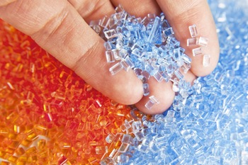 Hot washed PET bottle scrap / PET flakes
