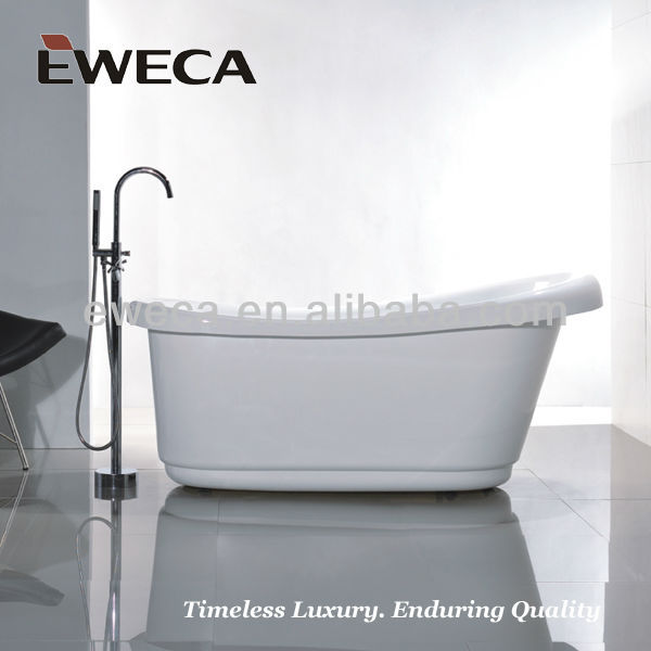 Sitting bathtub with seat