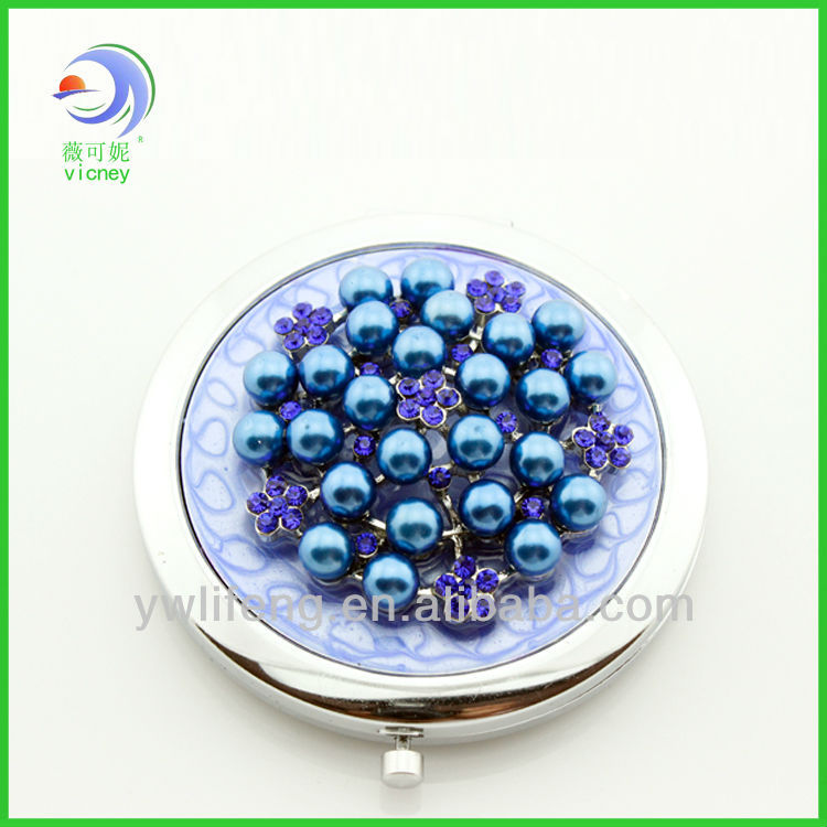 Classic pocket Mirror with Pearl