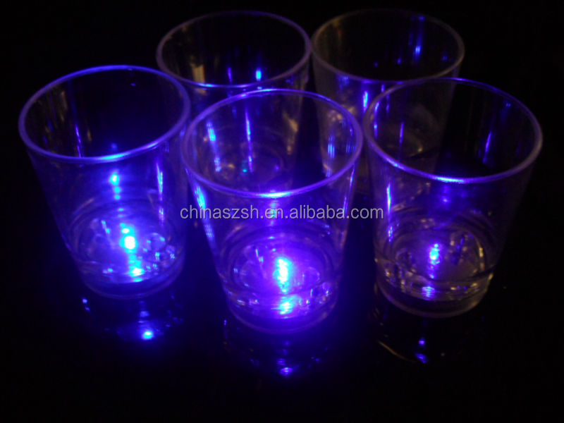 LED plastic cup for bar,glow up LED cup,flashing light up cup