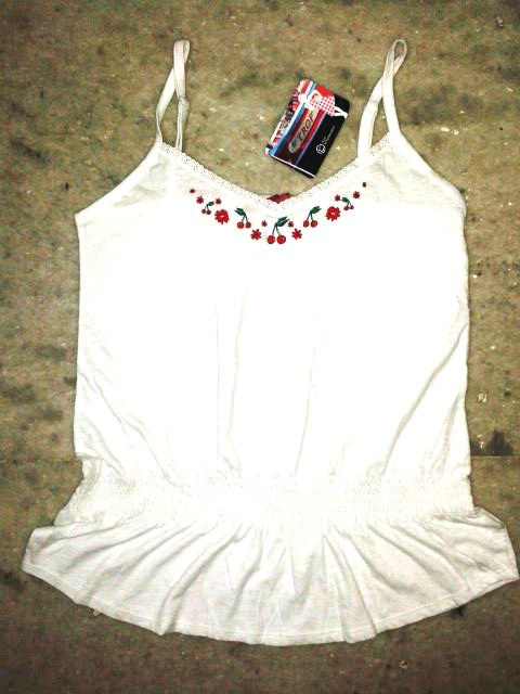 LADIES FANCY SLEEVELESS TOP