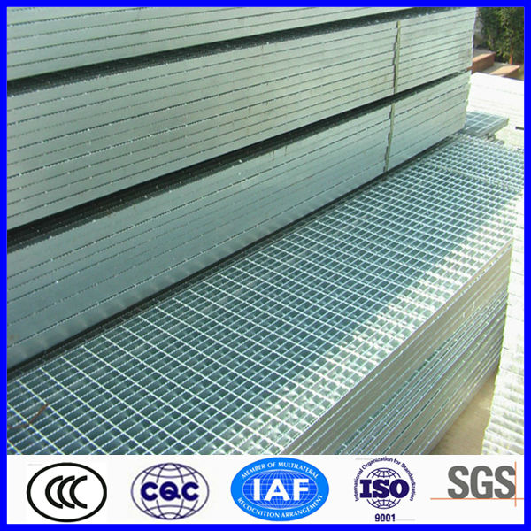 anti slip serrated galvanized grating/steel grid mesh