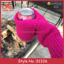 S1326 New fashion custom knitted bottle hand holder handmade crochet beer mitten gloves beverage drinking cozy mitten gloves