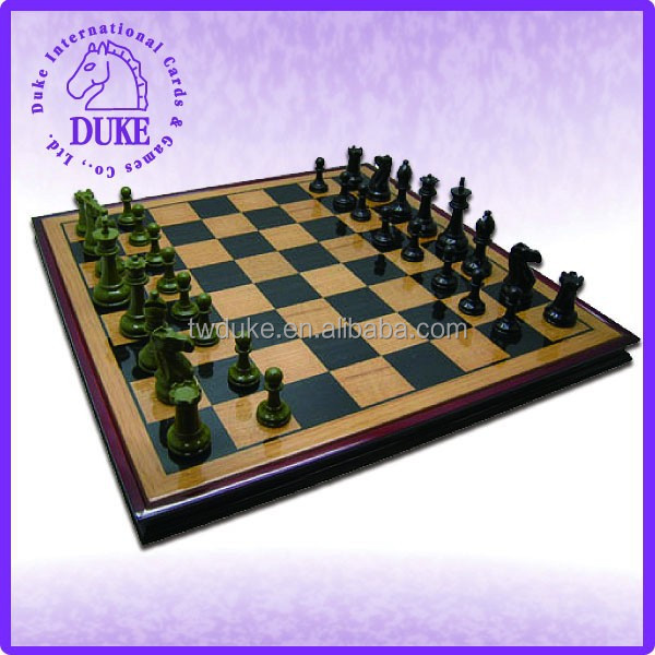 Oak wood with camphor frame large chess game set