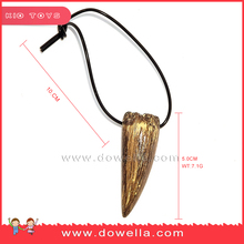 Artificial plastic dinosaur tooth necklace promotion gift
