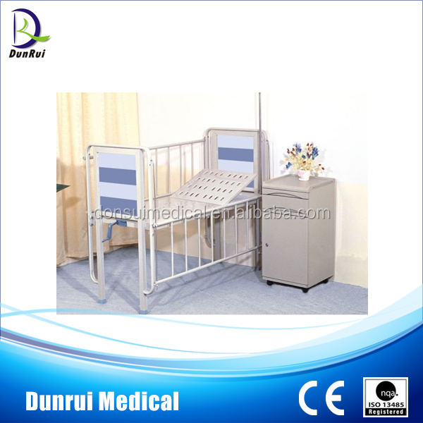 CE Passed One Crank Adjustable Manual Hospital Children Bed