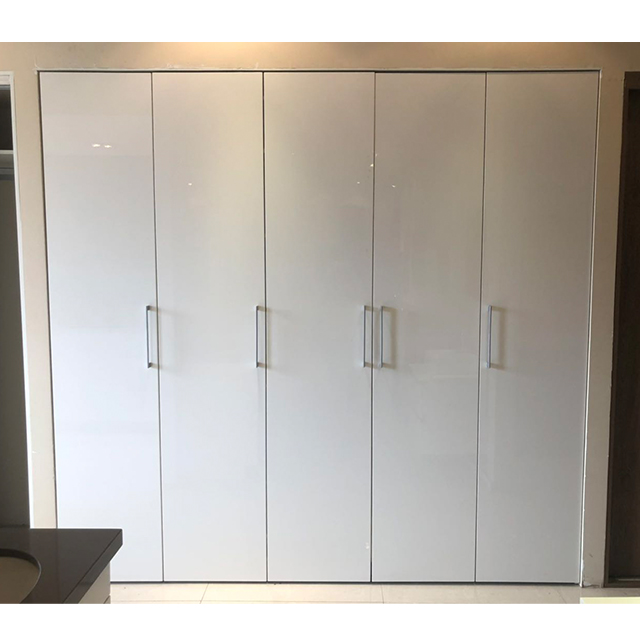 Foshan factory wholesale high gloss lacquer folding door bedroom wardrobe