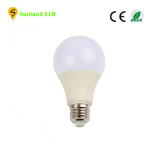 Hot design lighting china factory price ce rohs B22 bulbs light housing 220v 110v warm white cool white led bulb e27 7w a60 lamp