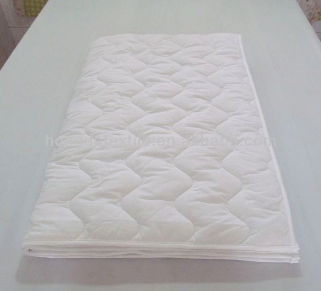 White hospital used quilted Mattress Pad Filled with Polyester - Jozy Mattress | Jozy.net