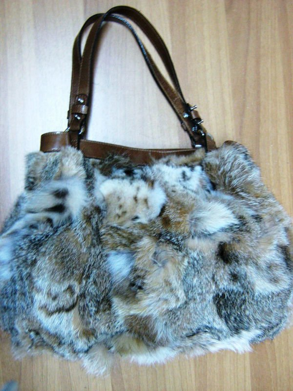 Brand New Lynx Fur bag with genuine leather details!