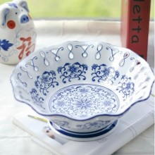 Jingdezhen hand-painted blue & white porcelain fruit plate