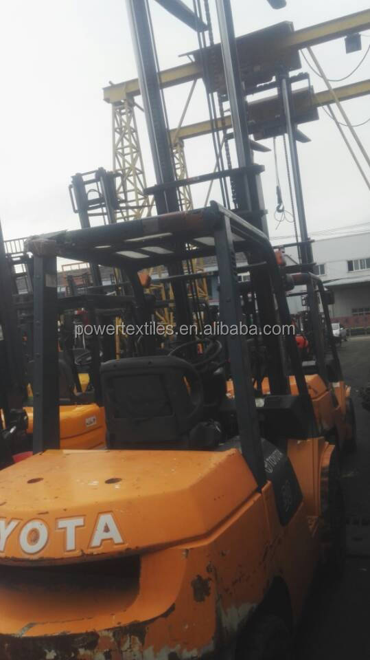 used Toyota forklift 7Fd25 7Fd30 7Fd50 forklift cheap price for sale in parkistan