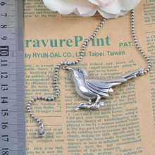 Vintage Style Simple Design Antique Silver Plated Alloy Bird Pendant Chain Necklace