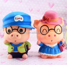 Lovely Couple Pig Shaped Plastic Piggy Coin Banks/Customized animals Shaped Plastic Coin Bank for kids