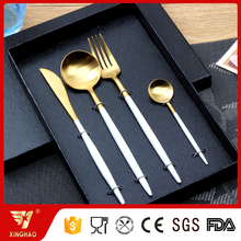 Elegant 4pcs Stainless Steel Gold Cutlery Set with White Paint Coated Handle in Gift Box