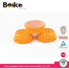 Wholesale OEM design FDA disposable polka dot baking paper cake cup