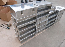Aluminum alloy truck tool box with lock
