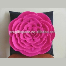 Hot sale eco friendly Suzannah Felt Rose Flower Decorative Pillow Pattern made in China