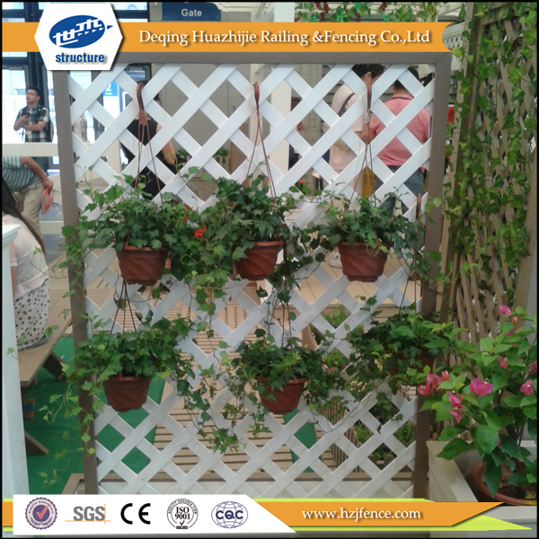 2017 hot new designs Plastic decorative wood lattice