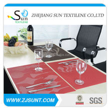 red plain white placemat