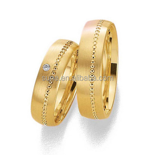 Golden Fashion Couples Finger Ring Jewelry Wedding Band Rings Set For Women and Men