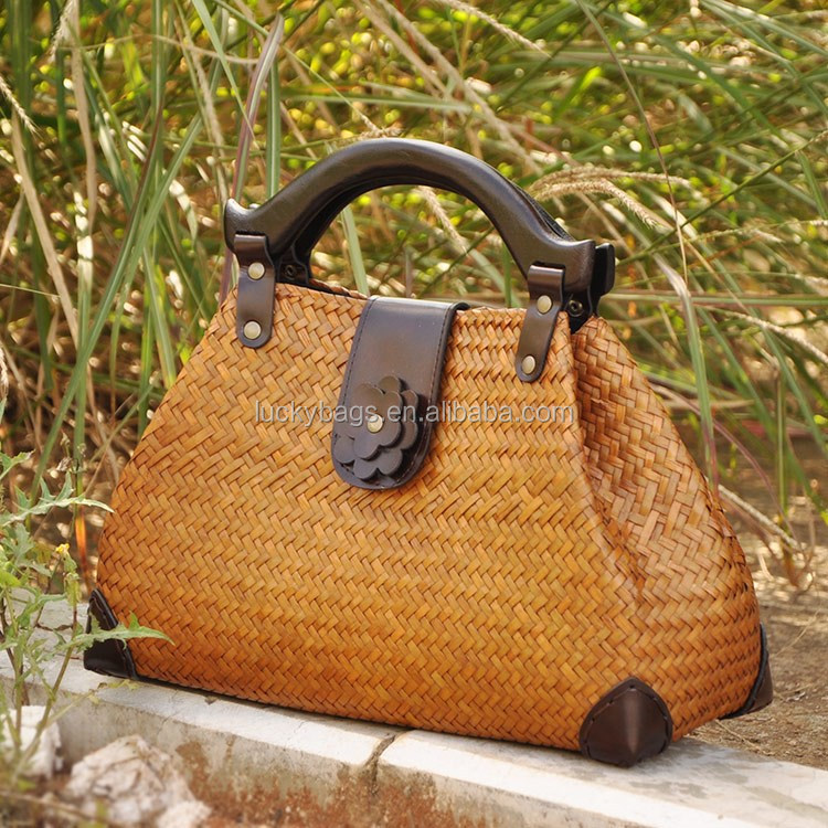 High quality Cheap Straw handbag Elegant Bamboo Handle Beach Bag Summer beach bags