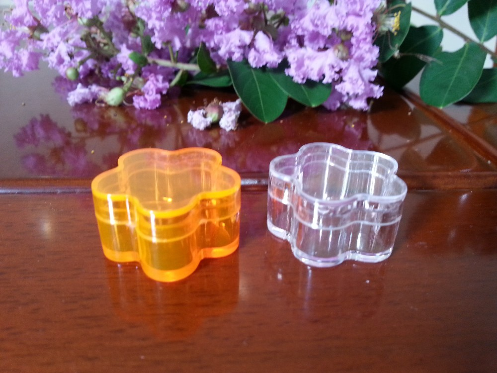 Wholesale cheap flower-shaped 4 ml PS plastic eye shadow case