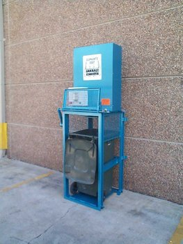 manual trash compactor for home use