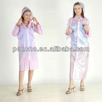 women in plastic raincoats/transparent plastic raincoats/rainwear/ladies pvc raincoats