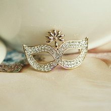 The new jewelry fashion The new jewelry fashion han edition of high-grade small mask set auger brooch brooches clothes pin