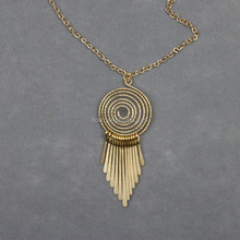 Circle winding metal tassel Pendant Necklace