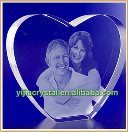 Fashion Heart Crystal with Laser Engraved Lover's Picture for Wedding Favor;Pretty K9 Crystal Heart Cube for Anniversary Gifts