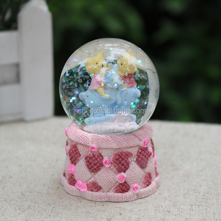 promotional bride and groom water globe cute musical little bear christmas water globe