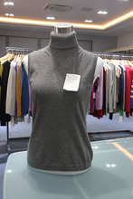 100% W's Cashmere Sleeveless Choker Sweater