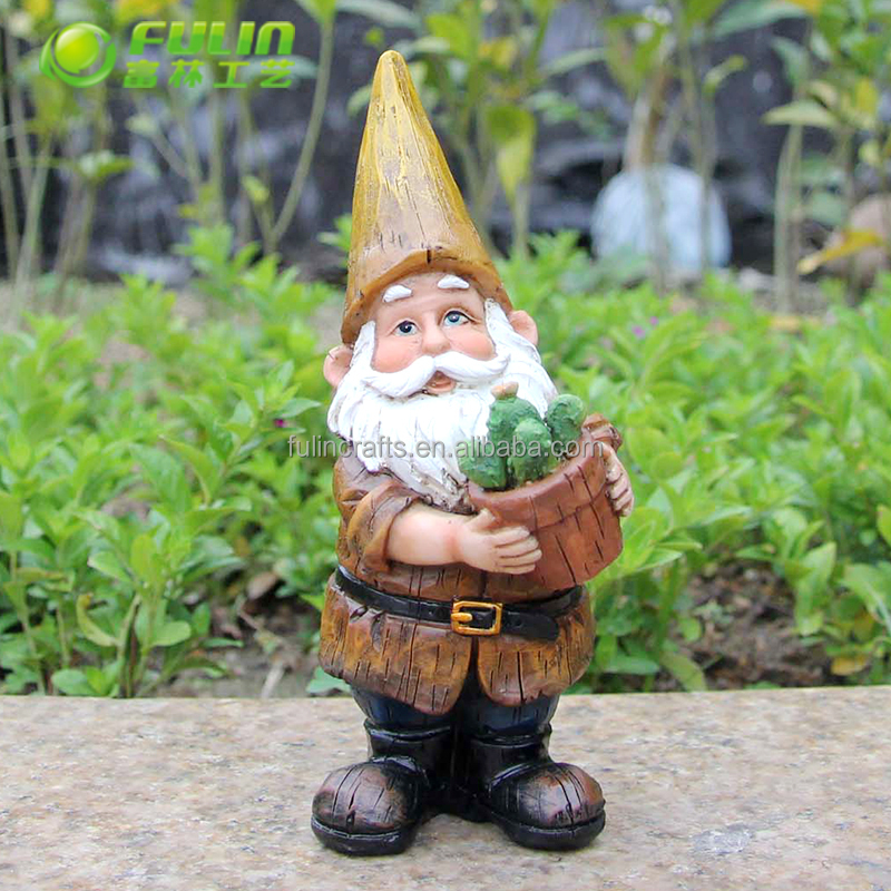 Lovely outdoor ornament resin garden gnomes for garden decoration