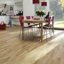 Natural color oil finished AB grade 3-strip oak engineered wood flooring