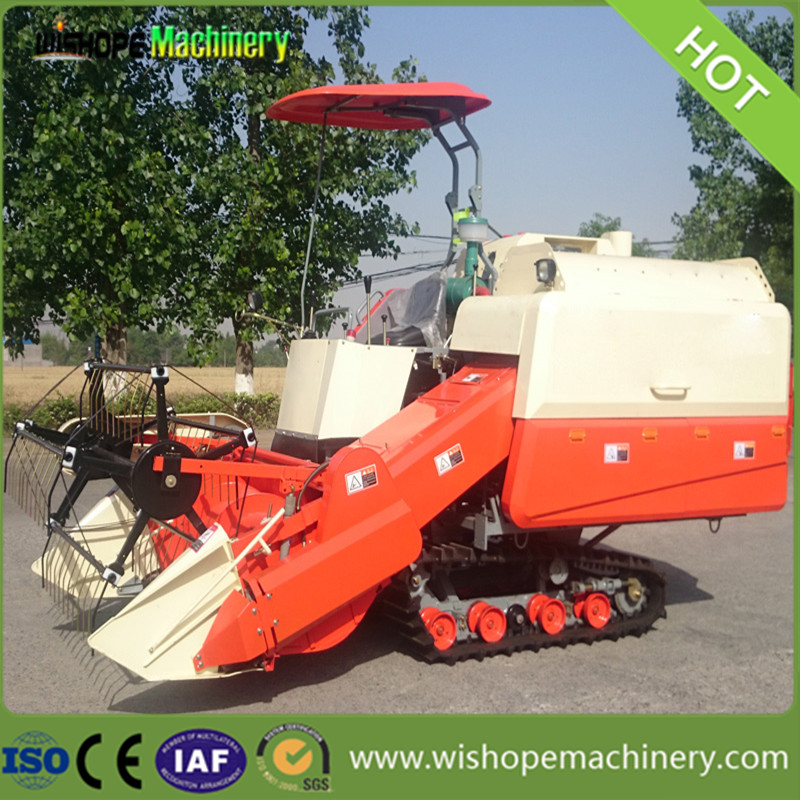 4LZ-5.5 Rubber Crawler Type Rice Combine Harvester in Peru
