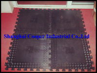 Internal lock rubber floor mat, pad
